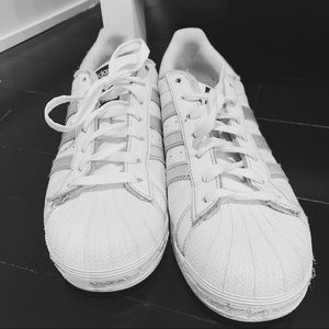 White Adidas Sneakers with Silver Stripes